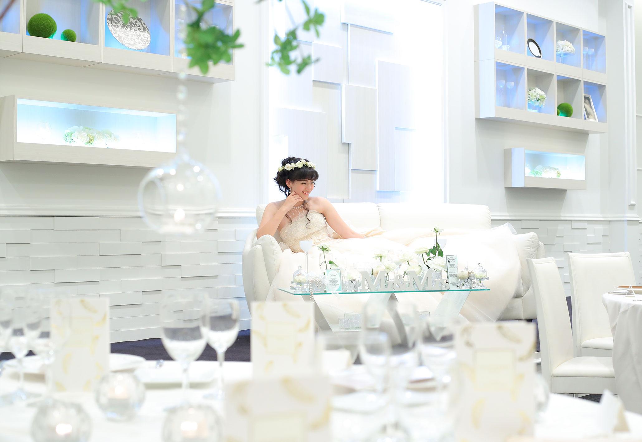 真っ白な空間で叶える最高のウェディング|愛媛県松山市の結婚式場ベルフォーレ松山