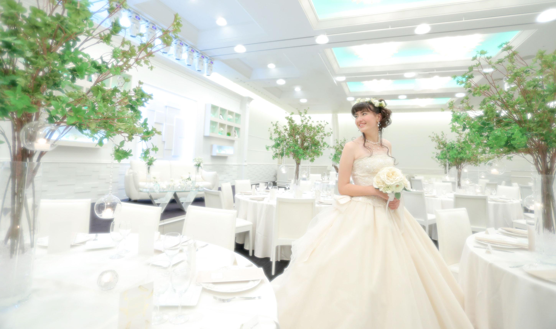 純白に包まれたバンケット|愛媛県松山市の結婚式場ベルフォーレ松山